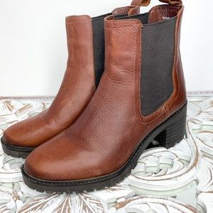 OKER Brown Leather Heeled Chelsea Boots